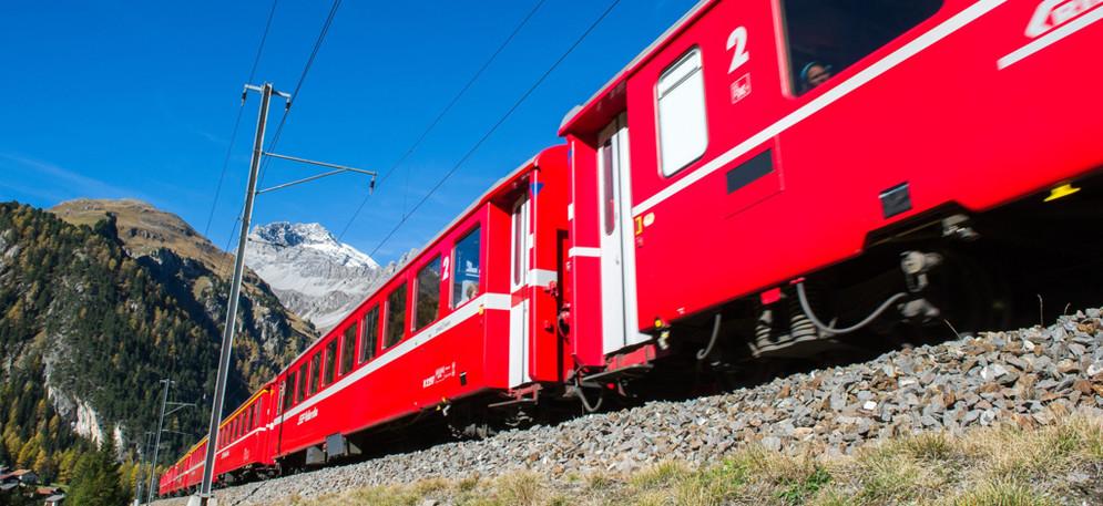Rhb Die Rhatische Bahn Im Fokus Suedostschweiz Ch