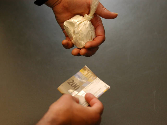 Umfangreicher Drogenhandel aufgedeckt