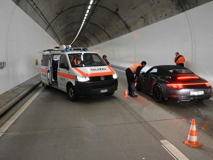 Plötzlich hiess es im Tunnel: Halt!