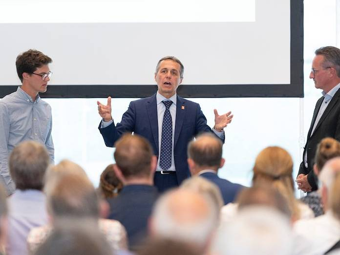 FDP feiert mit Ignazio Cassis