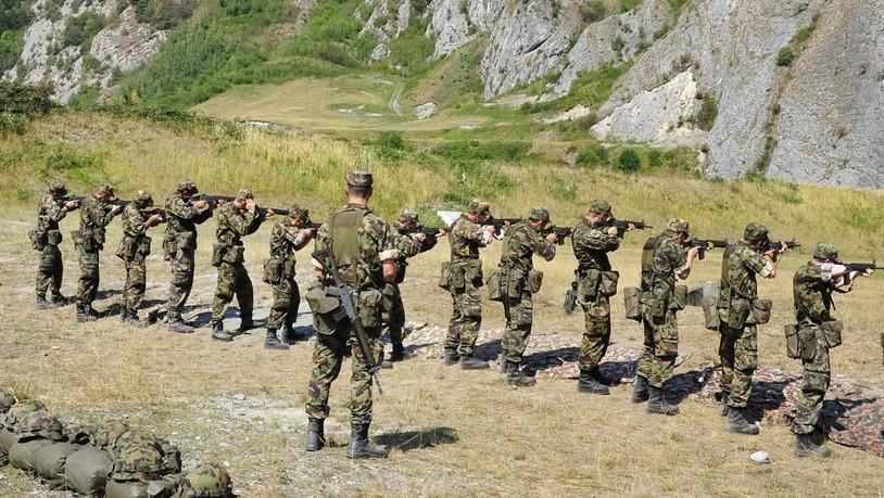 Die-Armee-bt-zwischen-Glarus-und-Viamala