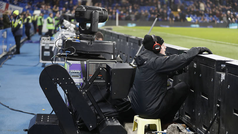 Der Video Assistant Referee (VAR) wird nun bereits in der K.o.-Phase der Champions League eingeführt