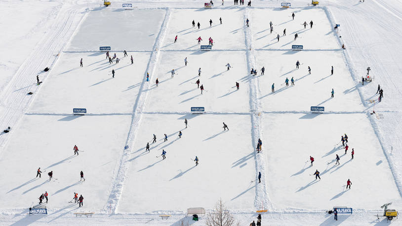 Pondhockey-in-Silvaplana-macht-das-Dutzend-voll