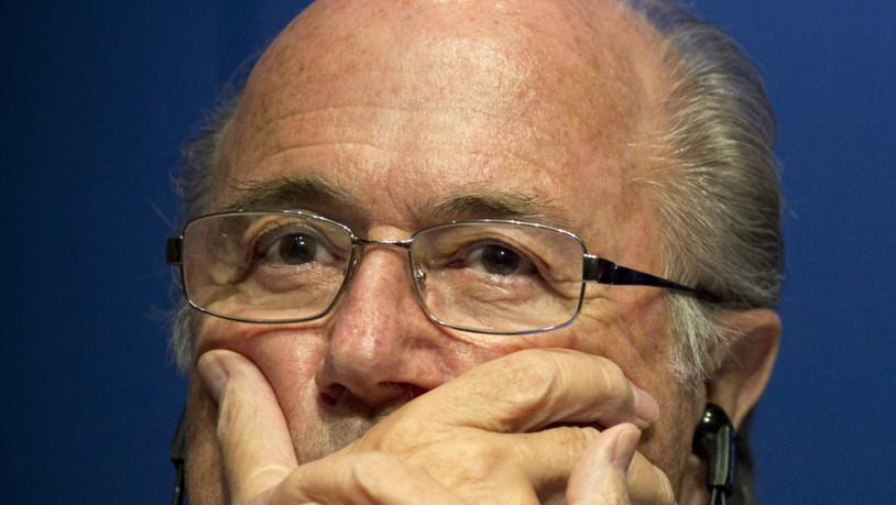 Medien-Blatter-und-Platini-von-der-BA-des-Betruges-verd-chtigt