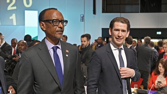 Paul Kagame, Präsident von Ruanda, und der österreichische Bundeskanzler Sebastian Kur unterwegs am EU-Afrika Forum