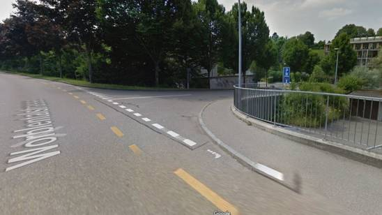 In Ittigen ist am Mittwochmittag ein flüchtiger Autofahrer verunfallt. Die Polizei konnte den Mann nach einer wilden Verfolgungsjagd stellen.