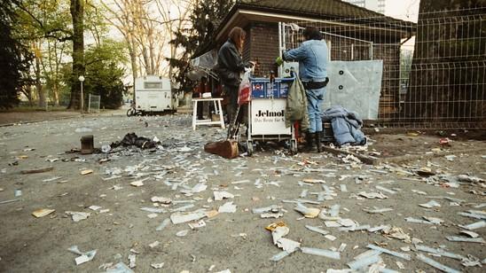 Trug zum Paradigmenwechsel in der Drogenpolitik bei: Die offene Drogenszene am Zürcher Platzspitz, aufgenommen im April 1991. (Archivbild)