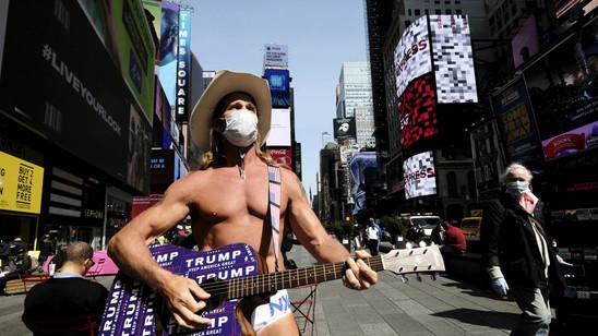 Da hat nicht mal der Naked Cowboy in New York noch zu Lachen: Die Arbeitslosigkeit in den USA steigt weiter (Archivbild).