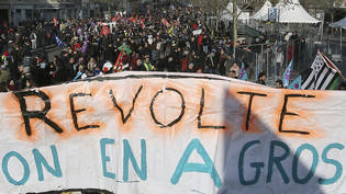 Genug - Revolte! Demonstranten in Rennes.