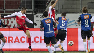 Matchwinner: Thuns Joker Saleh Chihadeh sticht in der 84. Minute per Kopfball