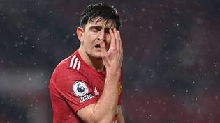 Manchesters Captain Harry Maguire ärgert sich