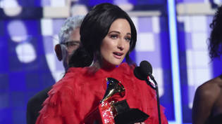 "Gewann den Grammy-Musikpreis für das ""Album des Jahres"": die US-Country-Sängerin Kacey Musgraves mit ihrem Album ""Golden Hour""."