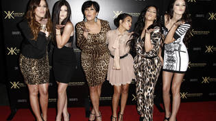 ARCHIV - Khloe Kardashian (l-r), Kylie Jenner, Kris Jenner, Kourtney Kardashian, Kim Kardashian und Kendall Jenner kommen 2011 bei der Kardashian Kollection Launch Party an. Foto: Matt Sayles/AP/dpa