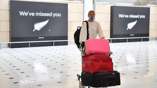 Passengers from New Zealand arrive at Sydney International Airport in Sydney, Friday, October 16, 2020. Australia's border rules have been relaxed as the country establishes a trans-Tasman travel bubble with New Zealand. (AAP Image/Dean Lewins) NO…